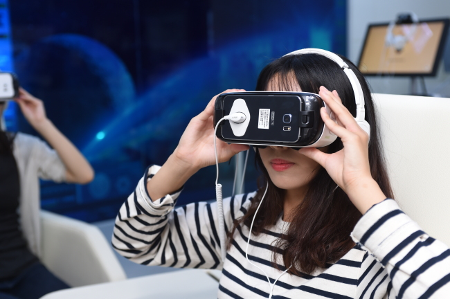 Visitors can experience hallyu content in 360-degree virtual reality at MBC's new hallyu theme park (MBC)