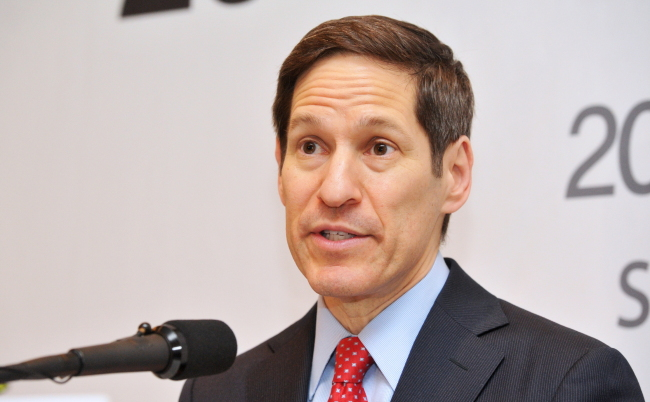Thomas Frieden speaks during a press conference in Seoul on Monday. (Ministry of Health and Welfare)
