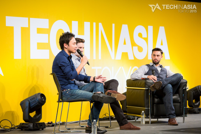 VIP Plaza CEO Tesong Kim (left) speaks about doing business in Southeast Asia at Tech in Asia Tokyo 2015 in Shibuya, Tokyo, last week. (Tech in Asia)