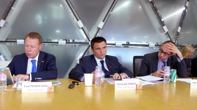 (From left) Ukrainian Ambassador Vasyl Marmazov, Ukrainian Foreign Minister Pavlo Klimkin and Ukrainian diplomat Dmytro Senik. Joel Lee / The Korea Herald