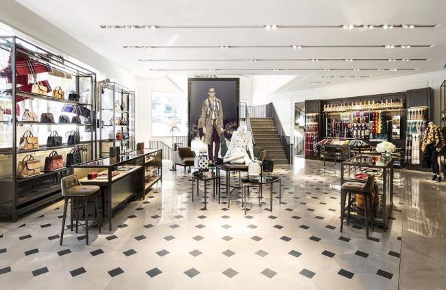 a18d886cda9 The store is equipped with nine video screens that stream fashion show  clips and other promotional videos directly sent from the London  headquarters.