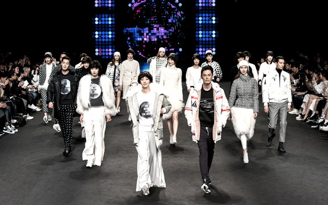 Models present creations of a fashion designer during a previous Seoul Fashion Week. (SFW)