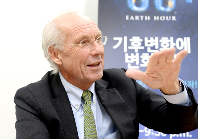 """Jorgen Randers, professor at the BI Norwegian Business School in Oslo and author of 1972 influential book """"The Limits to Growth,"""" speaks to The Korea Herald about the impending environmental catastrophes and urgent steps needed to tackle them. (Park Hyun-koo/The Korea Herald)"""