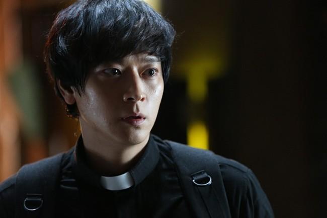 Kang Dong-won in