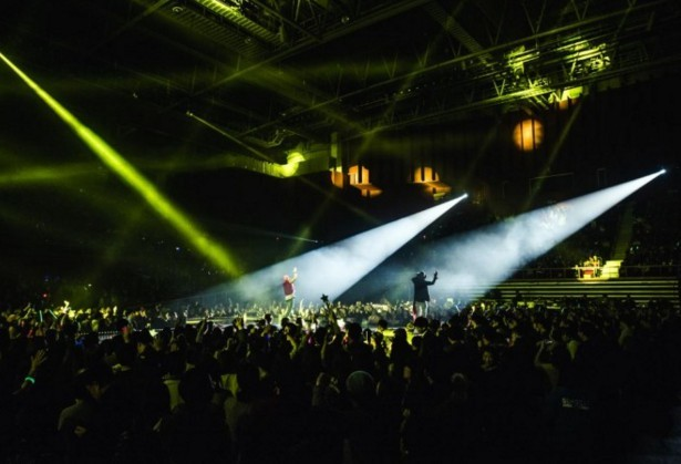 "Hip-hop duo Jinusean's concert ""Jinusean Bomb"" held at Olympic Hall, Olympic Park in Seoul on Sunday. (YG Entertainment)"