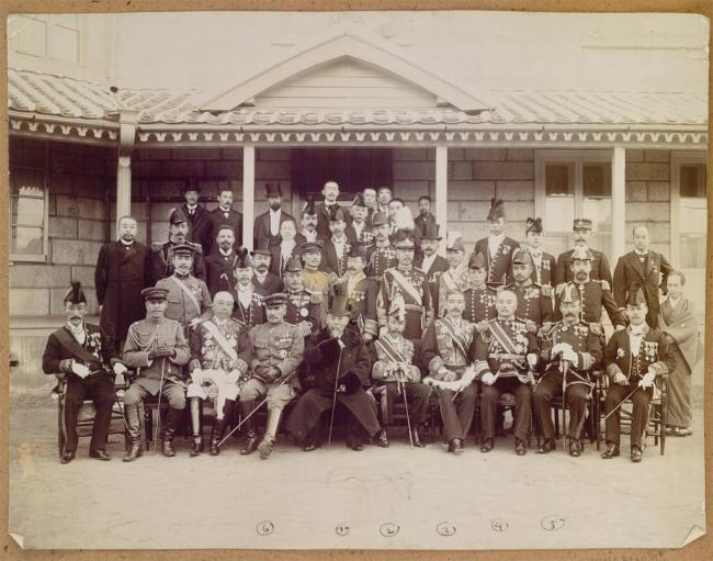 """Eulsa Treaty commemorative photo,"" taken Nov. 28, 1905, features Ito Hirobumi and Japanese officials after the signing of the Eulsa Treaty or Japan-Korea Protectorate Treaty, which deprived Korea of its diplomatic sovereignty. (Seoul Museum of History)"