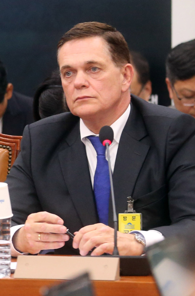 Volkswagen Korea CEO Johannes Thammer attends a parliamentary audit at the National Assembly in October 2015. Yonhap