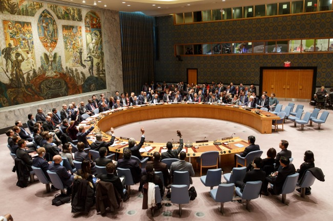 The United Nations Security Council approves new resolution on North Korea at the U.N. headquarters in New York. (Xinhua-Yonhap)
