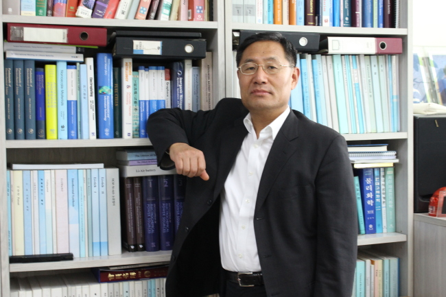 Sun Yang-kook, professor of energy engineering at Hanyang University(Yoon Min-sik/The Korea Herald)