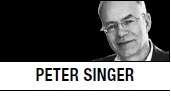 peter singers argument in famine affluence and Peter singer, born in 1946, is an australian moral philosopher his essay famine, affluence, and morality was influenced by the famine in bangladesh, which hit its apex in 1974 in essence, he is.