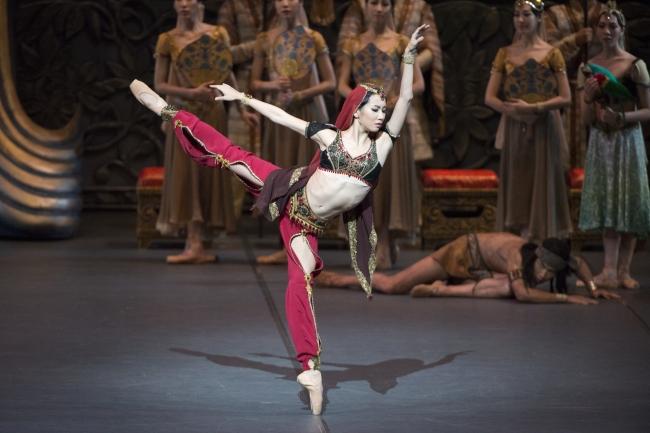 """A scene from the Korean National Ballet's upcoming season opener, """"La Bayadere."""" (Korean National Ballet)"""