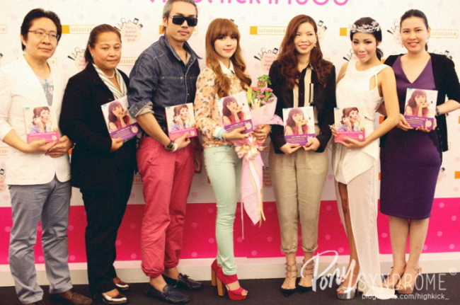 Makeup artist Pony (fourth from left) holds a book promotion event in Thailand in May 2013. (Pony)