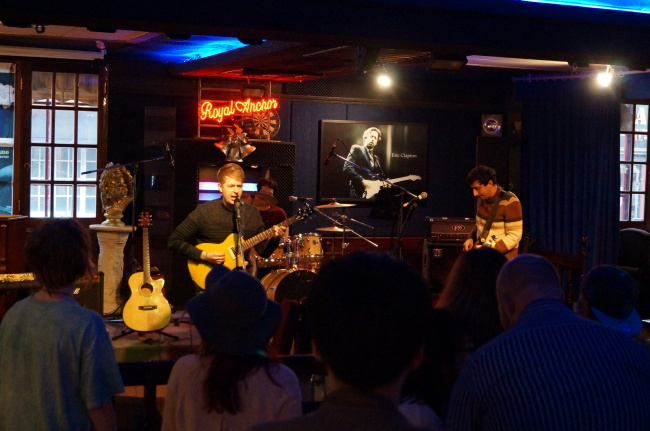 "Mountains performs at the Royal Anchor during the Ulsan stop of the ""Look But Don't Touch"" art tour on March 5."
