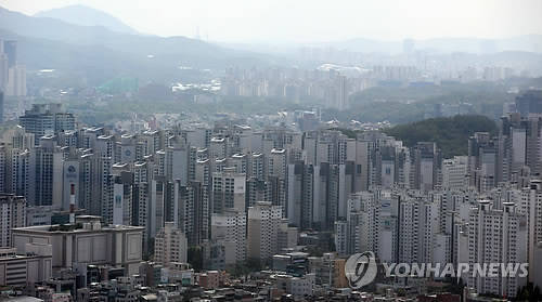 Apartment complex in Seoul (Yonhap)