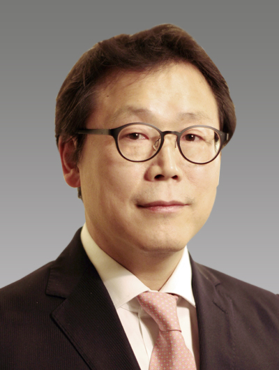 Kim Myung-sik, professor of Imperial College of London