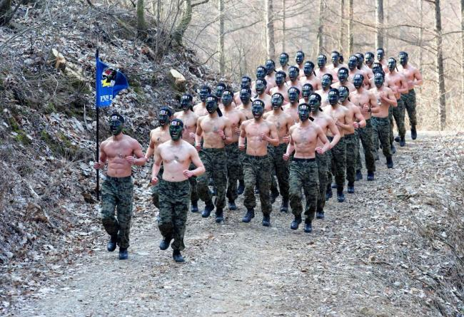 South Korean armed forces partake in winter training. (Ministry of National Defense)