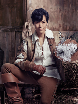 """Kai plays the role of D'Artagnan in the musical, """"The Three Musketeers."""" (Showholic)"""