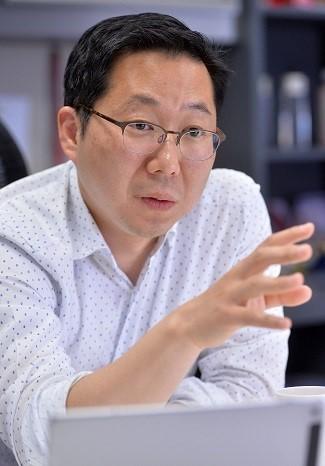 Kim Jong-yoon, director at Hyundai Card's digital business department. (Lee Sang-sub/The Korea Herald)