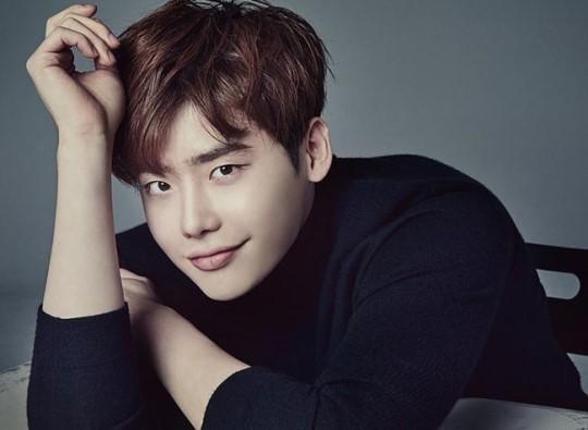 Actor Lee Jong-suk (YG Entertainment)
