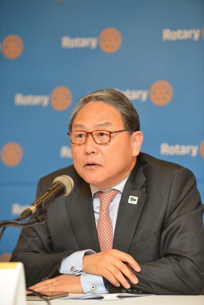 Rotary Host Organizing Committee chair Yun Sang-koo speaks at a press conference in Press Center Seoul on Wednesday for the upcoming Rotary International Convention. (Rotary International)