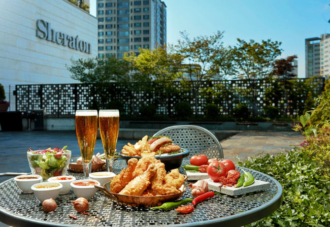 """A promotional image for the Sheraton Seoul D Cube City Hotel's upcoming """"Devil's Chicken"""" weekly semi-buffet event, which will kick-off starting June 3. (Sheraton Seoul D Cube City Hotel)"""