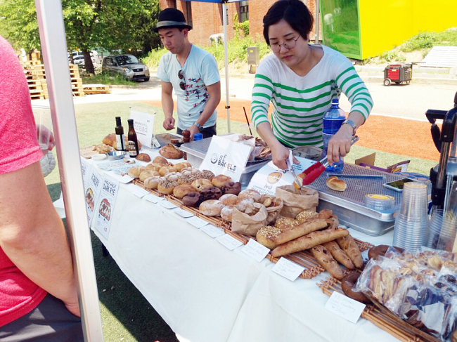 Vegan and gluten-free breads and pastries were a strong presence at Vegan Festival Korea. (Christine Cho)