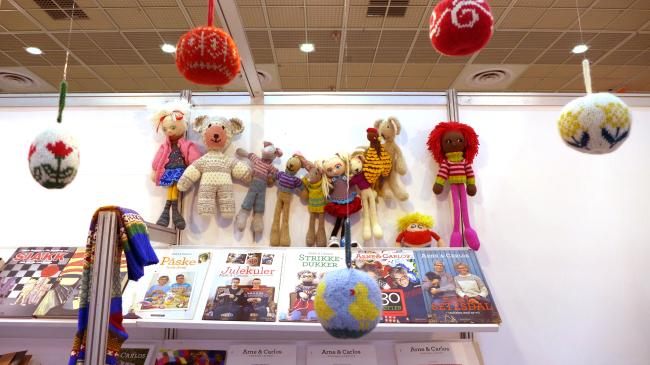 Knitted handicrafts by Norwegian and Swedish designers Arne Nerjordet at the Seoul International Book Fair 2016 at Coex in Seoul. (Joel Lee / The Korea Herald)