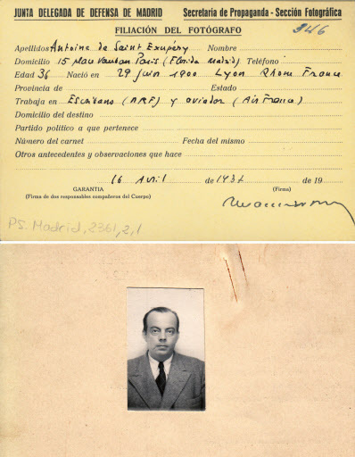 Two sides of the press card used by French writer and pioneering aviator, Antoine de Saint-Exupery during the Spanish Civil War (1936-1939), found June 30 at the Centro Documental de la Memoria Historica in Salamanca, western Spain. (AFP-Yonhap)
