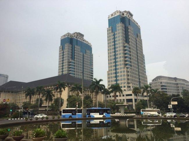 Highrise buildings at the center of Jakarta, Indonesia. (Ock Hyun-ju/The Korea Herald)