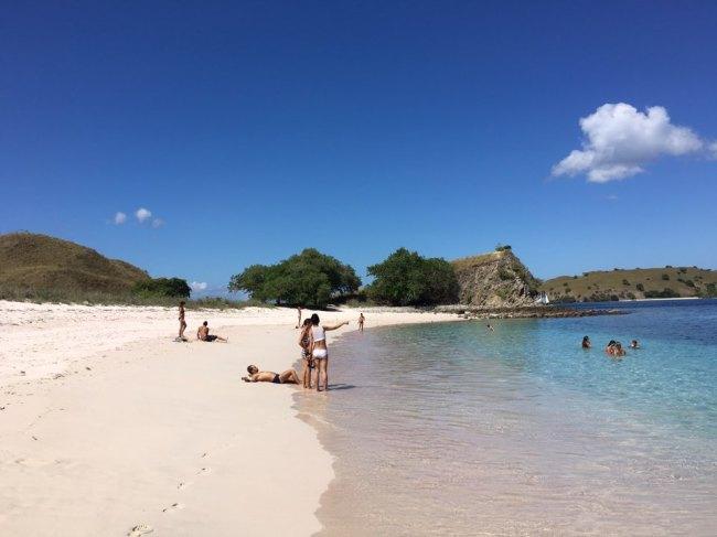 Pink Beach around Labuan Bajo, Indonesia (Ock Hyun-ju/The Korea Herald)