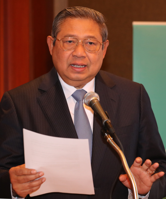 Susilo Bambang Yudhoyono, former Indonesian President and the current chair of the council of the Global Green Growth Institute, speaks at a news conference in Seoul on Thursday. (Yonhap)