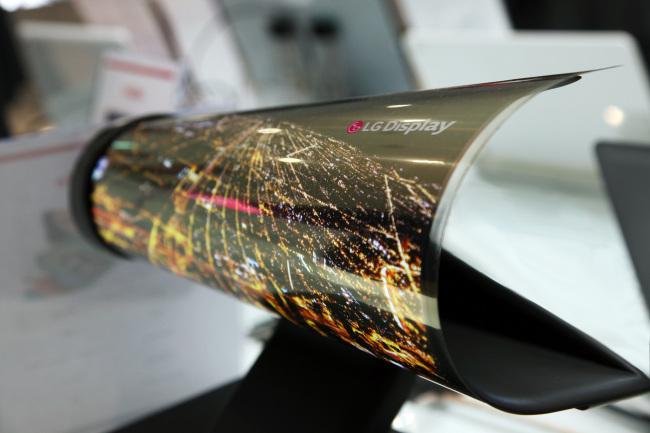 LG Display's flexible OLED