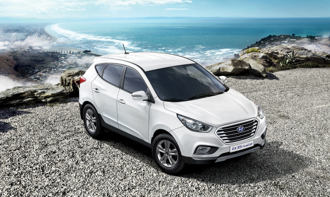 Hyundai Motor's fuel-cell Tucson ix, the first mass-produced fuel cell vehicle in the world.