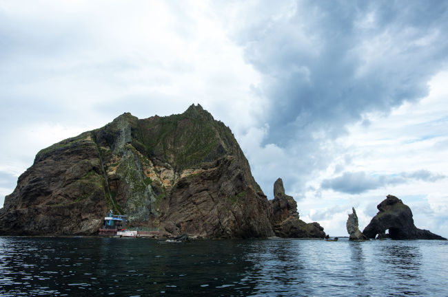 Image of Dokdo island (123rf)