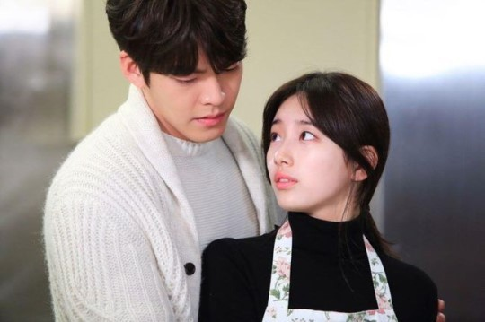 The lead actors in the KBS drama