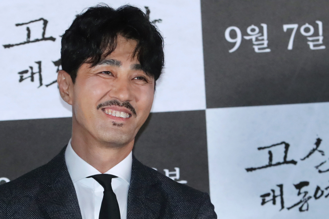 """Actor Cha Seung-won smiles at a press conference for the film """"The Map Against the World"""" in Seoul on Tuesday. (Yonhap)"""