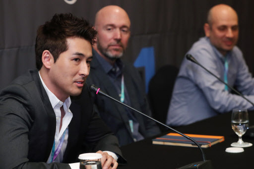 From left: Actor-producer Sean Richard Dulake and producers Gene Klein and Michael Ellenberg speak to reporters at a press conference at the InterContinental Seoul Coex on Wednesday. (Yonhap)