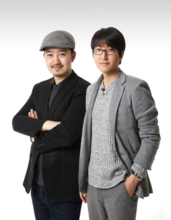 Co-founders of online photo blog Humans of Seoul Park Ki-hun (left) and Jeong Seong-kyoon (Humans of Seoul)
