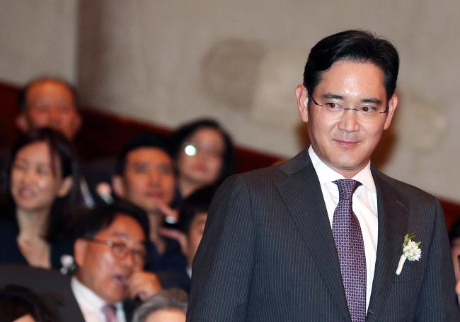 Elliott push for Samsung makeover puts founding family plans under microscope