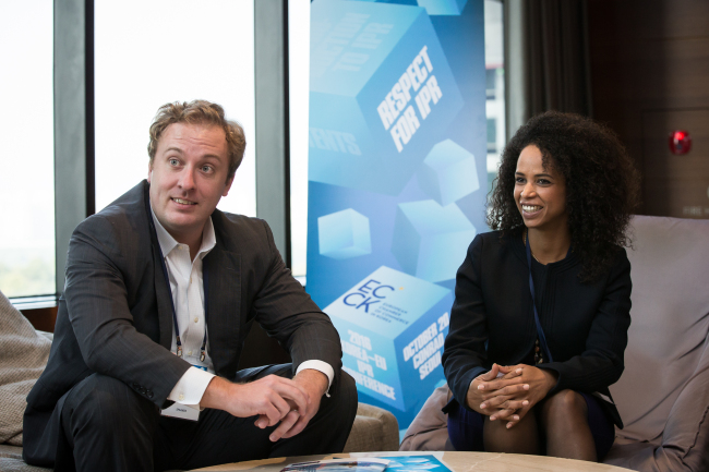 Chris Clague (left), senior editor of the Economist Intelligence Unit, and Lina Baechtiger, executive director of the European Chamber of Commerce in Singapore, speak during an interview in Seoul on Oct. 20. (European Chamber of Commerce in Korea)