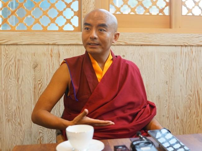 Tibetan Buddhist monk Yongey Mingyur Rinpoche (Son Ji-hyoung/The Korea Herald)