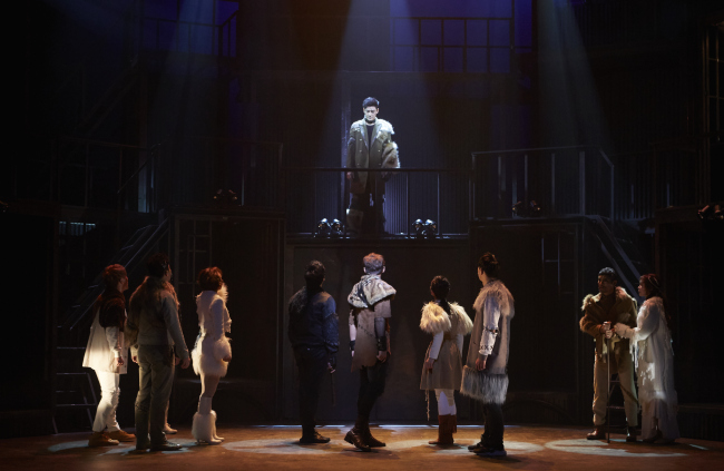 """Scene from the musical """"The Underdog,"""" being staged at the Uniplex in Daehangno, Seoul until Feb. 26. (Story P)"""