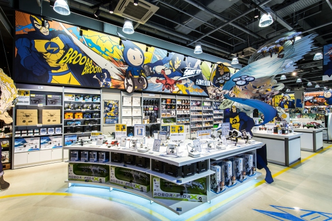 Experience-focused electronics retailer Electromart at Starfield Hanam (Shinsegae)