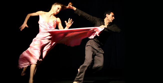 """Tanztheater Wuppertal Pina Bausch's """"Sweet Mambo"""" (Ursula Kaufmann)"""