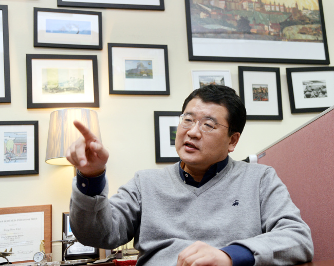 Choi, a professor in political science and international studies at Yonsei University, in an interview with The Korea Herald.