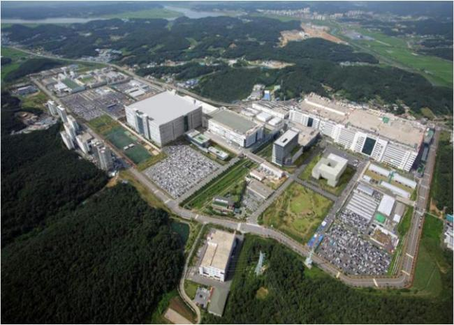 LG Display's main factory in Paju, Gyeonggi Province (Yonhap)