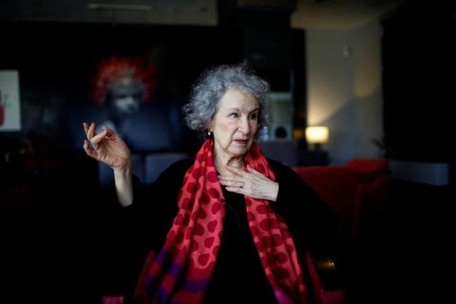 Canadian writer Margaret Atwood speaks during an interview at a hotel in Havana, Cuba, Wednesday. (Reuters-Yonhap)