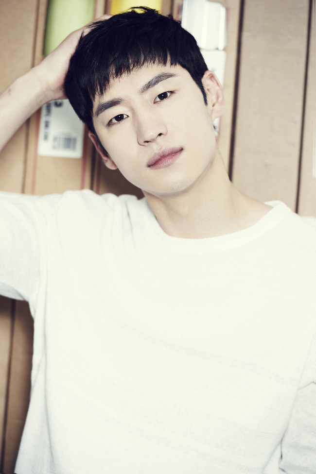Lee Je-hoon (Saram Entertainment)