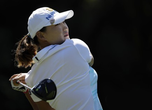 In this Associated Press photo, South Korean Lee Mi-rim watches her tee shot on the second hole during the final round of Kia Classic on the LPGA Tour on March 26, 2017, in Carlsbad, California. (Yonhap)