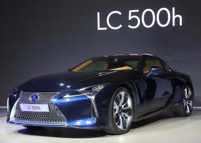 The new Lexus LC 500h premium hybrid (Yonhap)